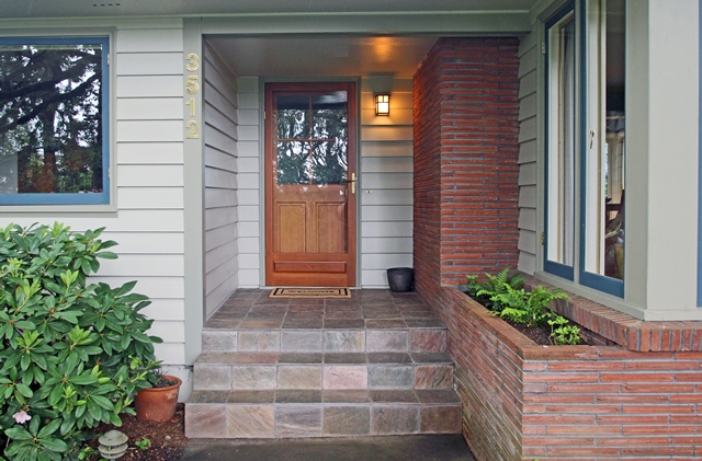 3512 SW Willamette Avenue Corvallis Oregon-- Entry