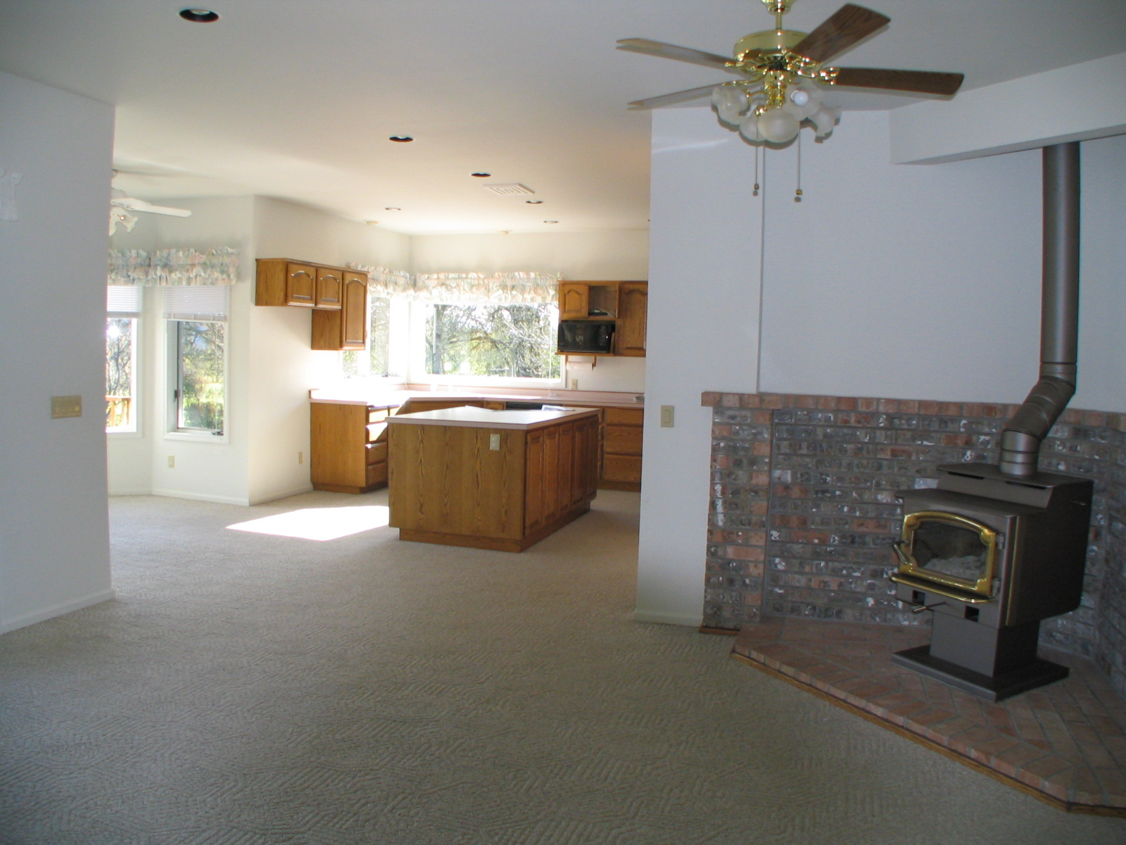 2081 Dawnwood Drive Philomath Oregon-- Open Kitchen