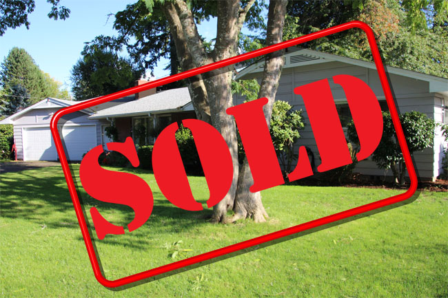 SOLD! Lake Front Home in North Albany