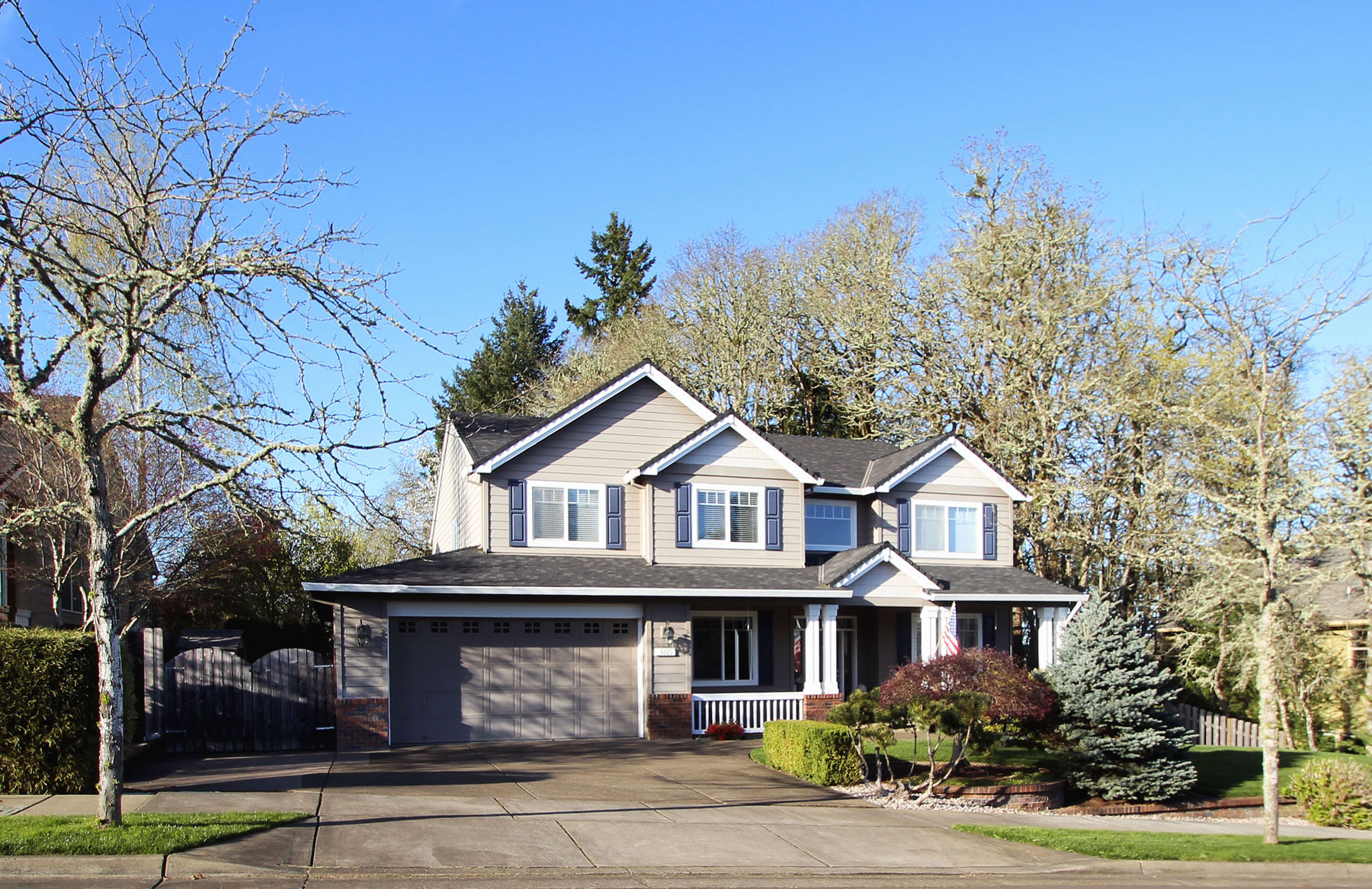 Big, Bold, Beautiful in Grand Oaks | 5889 SW Englewood Av, Corvallis, OR 97333