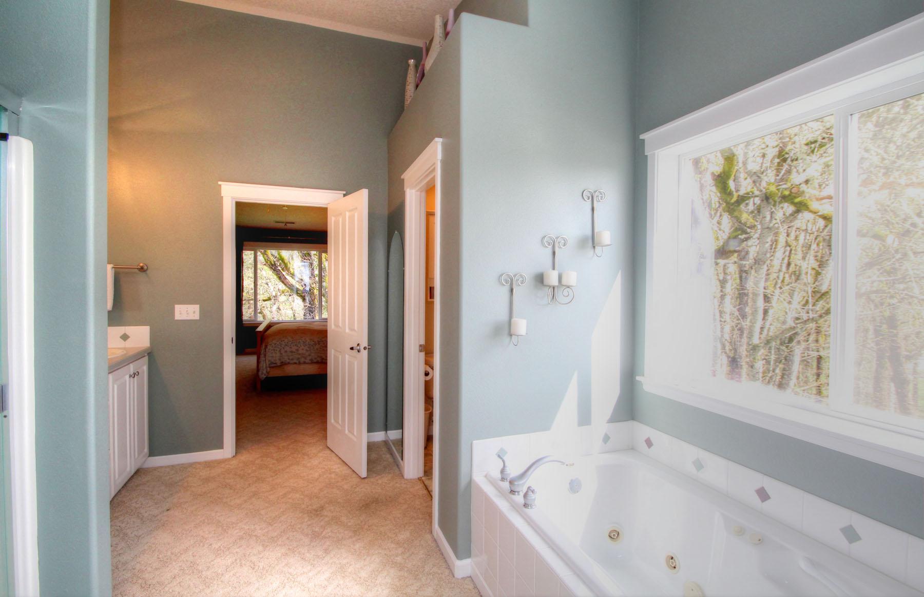 Master Bath 5889 SW Englewood Av, Corvallis, OR 97333