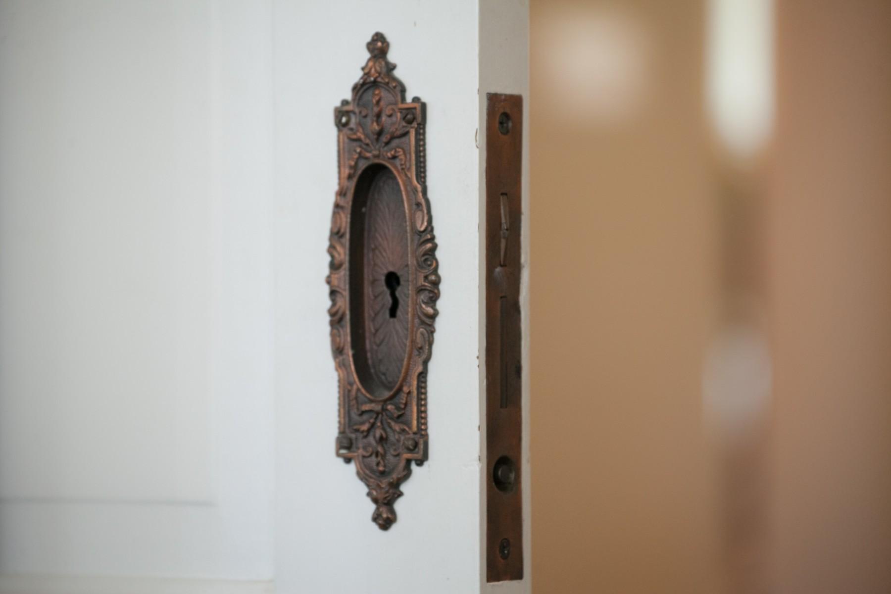 206 NW 8th Street, Corvallis, Oregon-Vintage door hardware