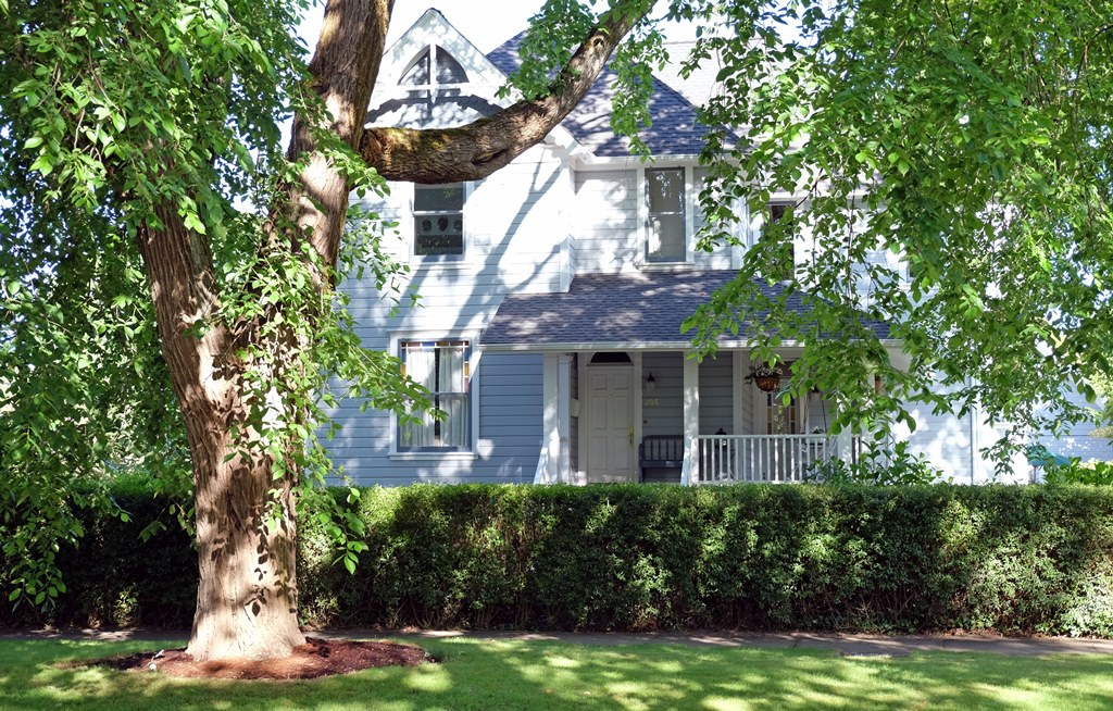 SOLD! Historic Queen Anne Victorian | 206 NW 8th Street, Corvallis, Oregon, 97330