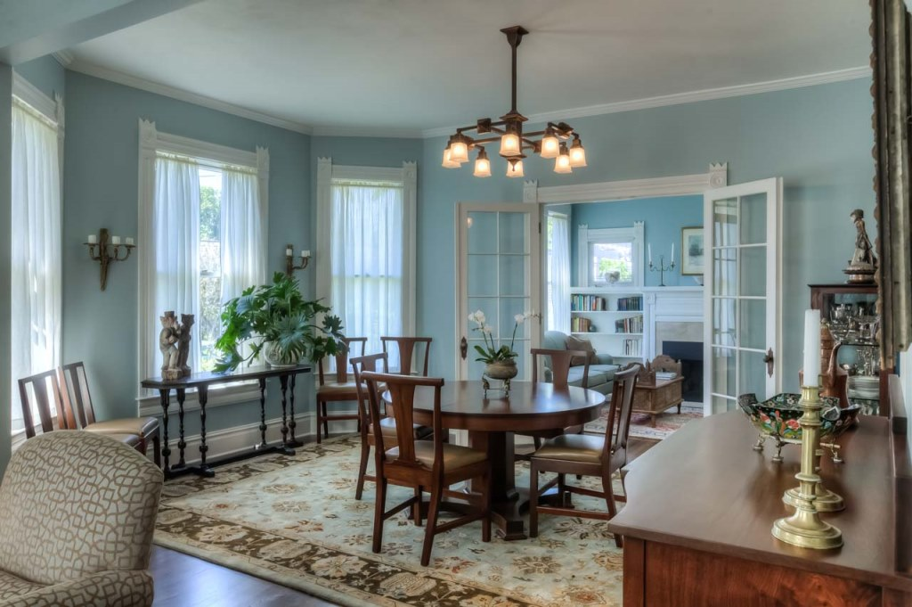 206 NW 8th Street, Corvallis, Oregon-formal dining room