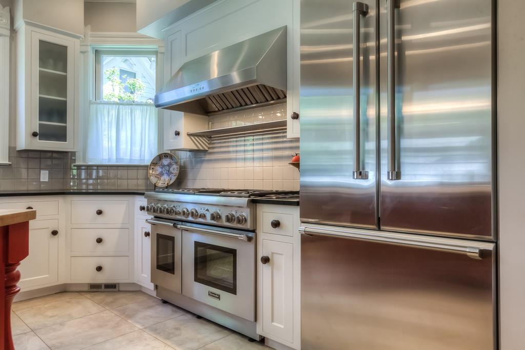 206 NW 8th Street, Corvallis, Oregon- Kitchen