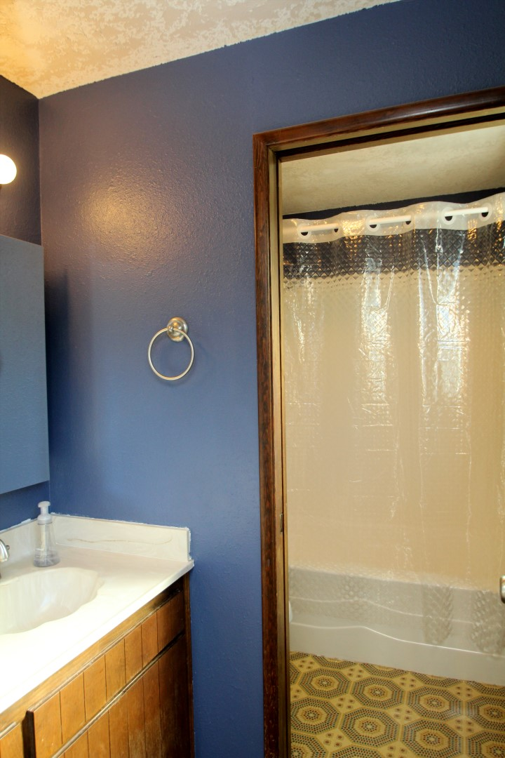 747 NW Fox Place, Corvallis, OR 97330--Upper Level Master bath