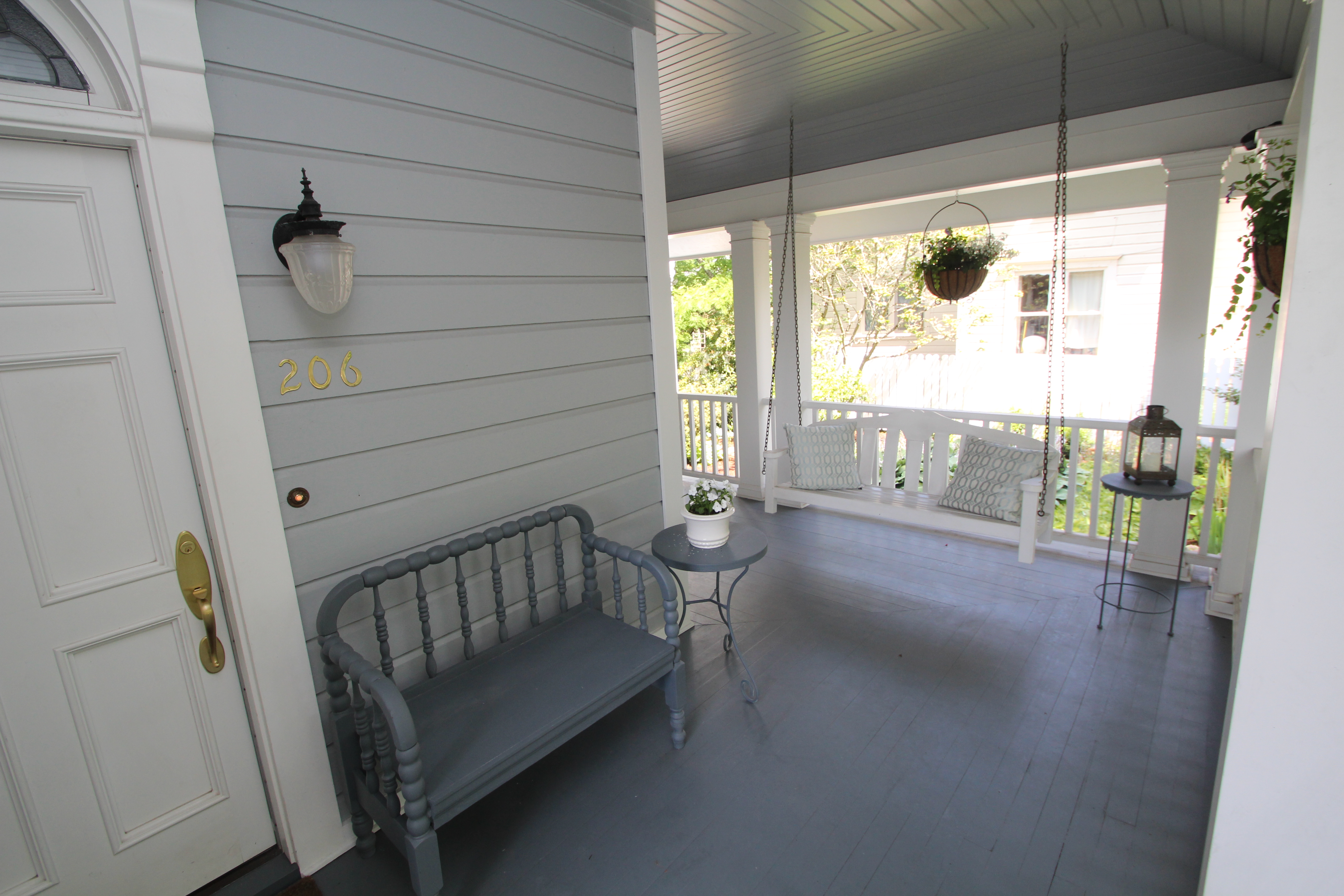 206 NW 8th Street, Corvallis, Oregon 97330-Front Porch Swing