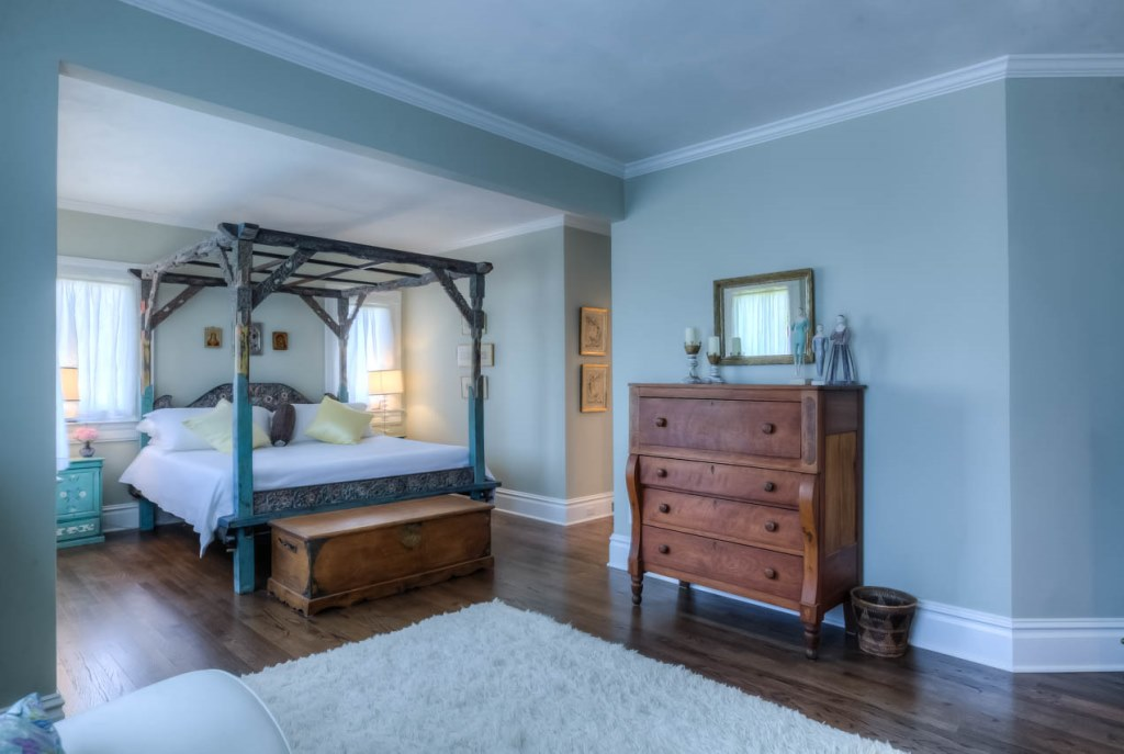 206 NW 8th Street, Corvallis, Oregon-Master Bedroom