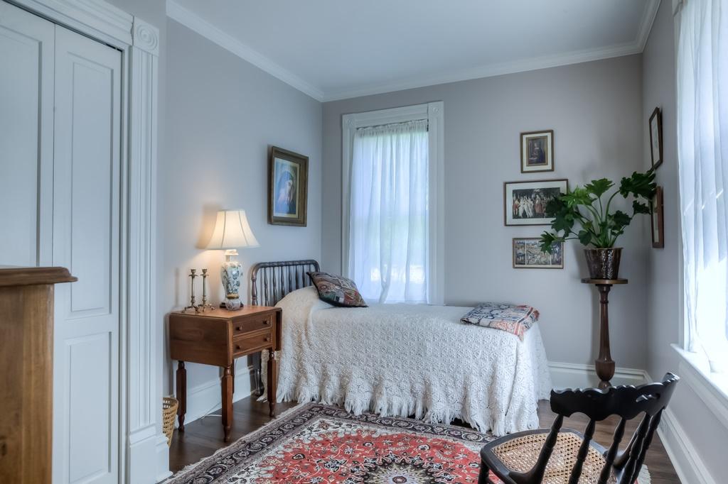 206 NW 8th Street, Corvallis, Oregon- bedroom 3