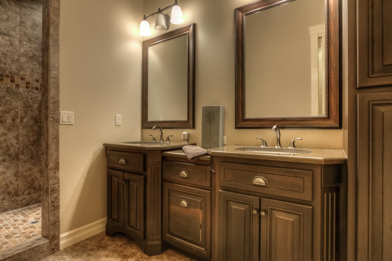 4530 NW Arrowood Circle- Main Bath