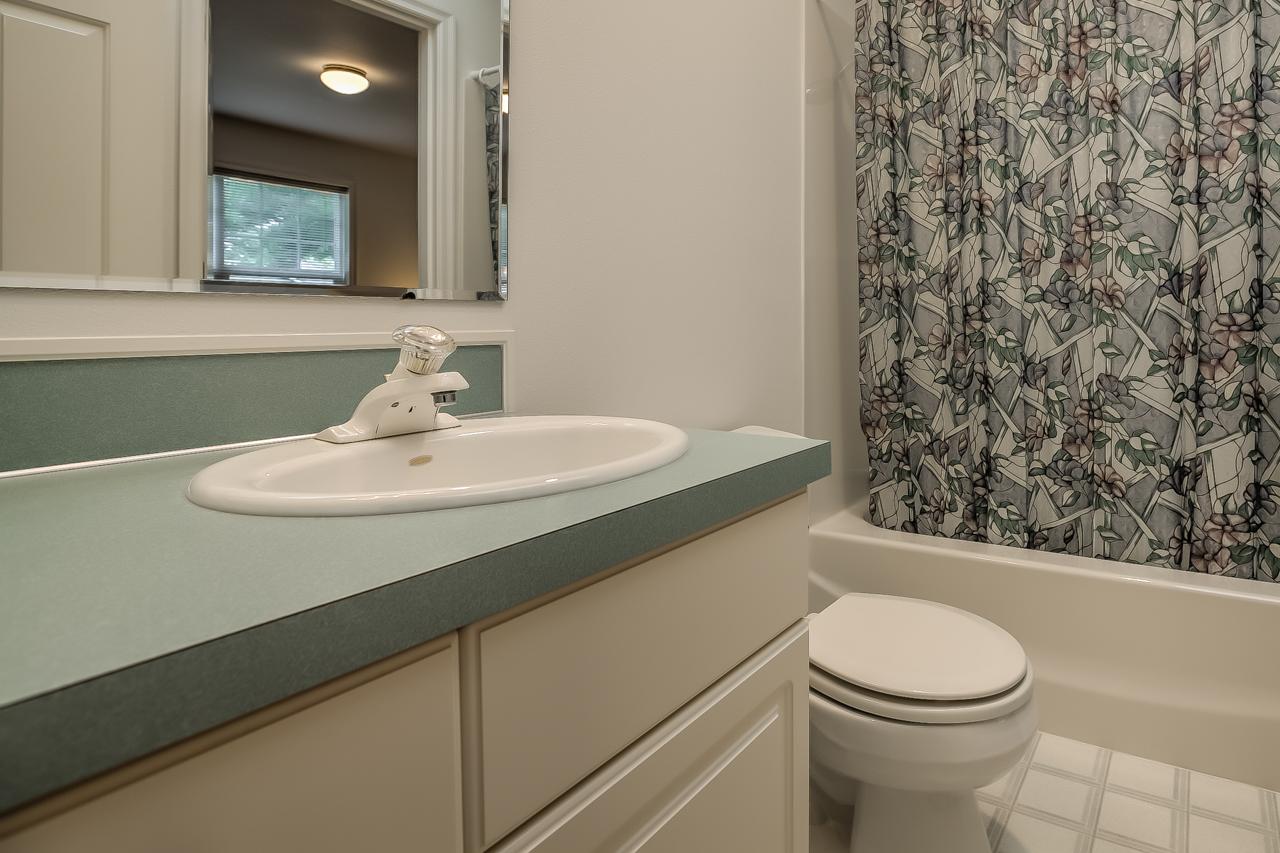 4167 NW Tamarack Drive- Main Bath