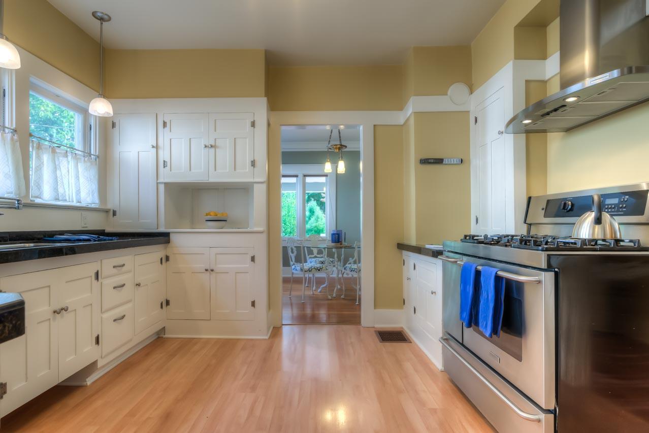 820 SW 11th Street Corvallis-- Kitchen