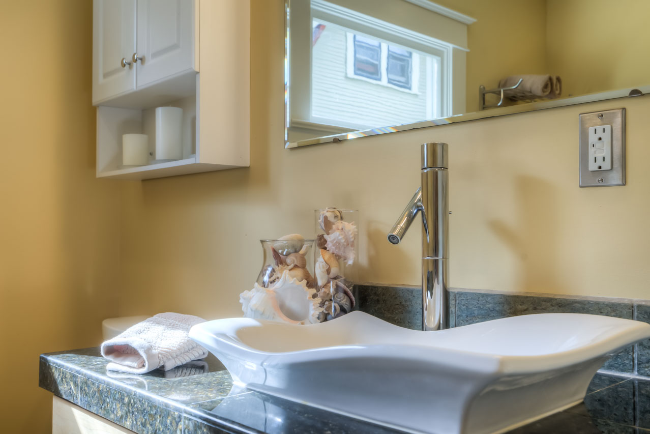 820 SW 11th Street Corvallis-- Master Bath