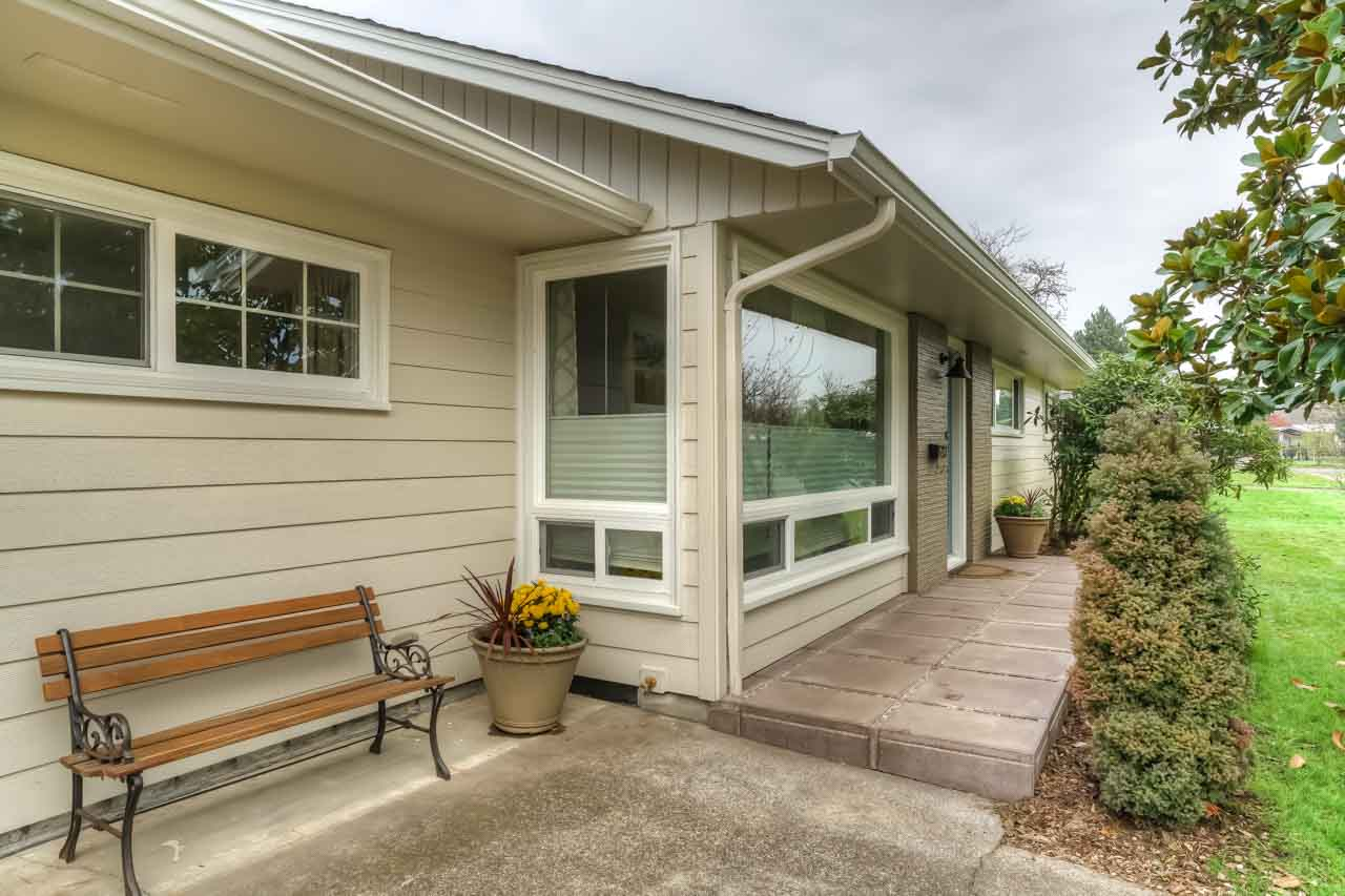 1540 NW 12th Street Corvallis Oregon-- Front Porch