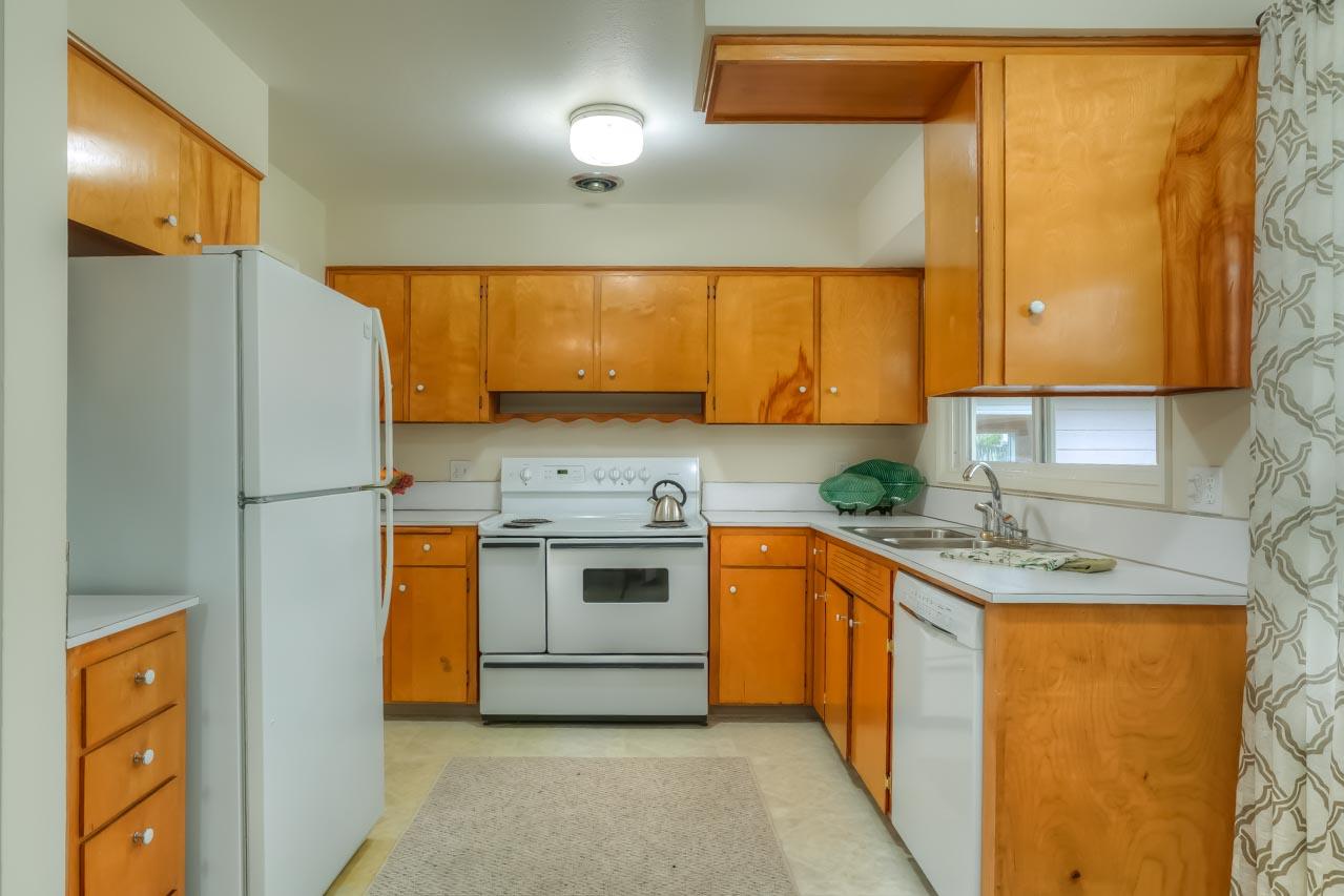 1540 NW 12th Street Corvallis Oregon-- Kitchen