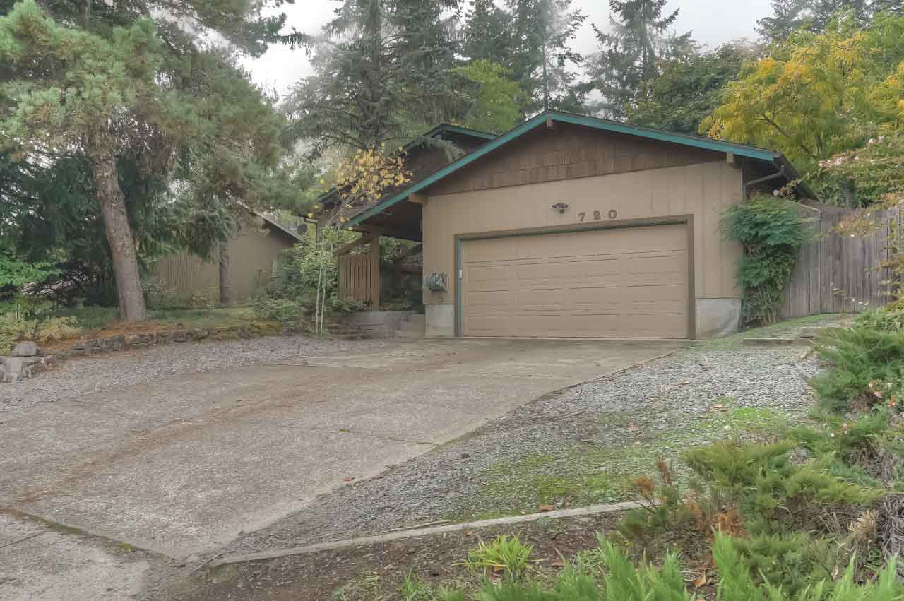720 SW 56th Street Corvallis-- Front