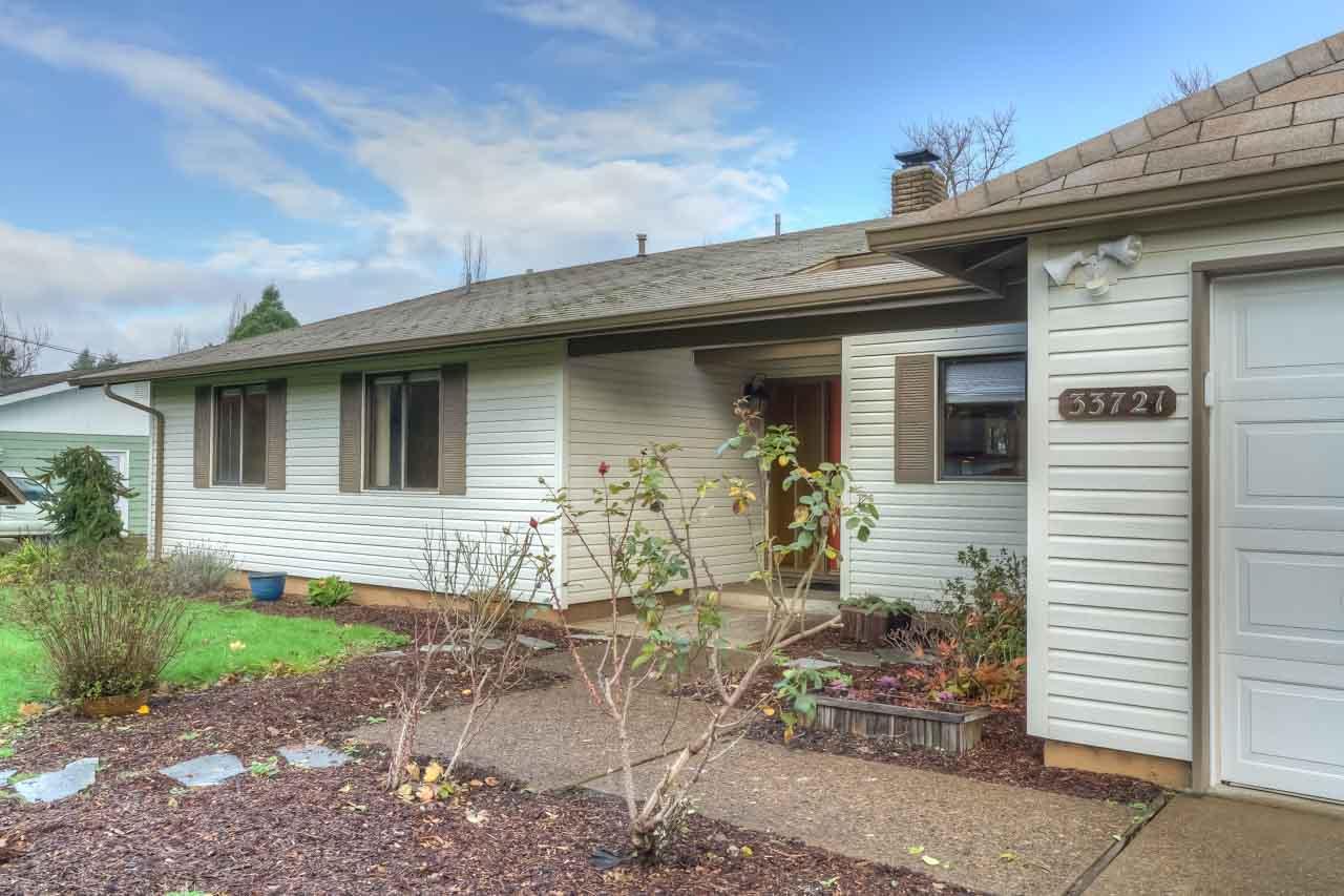 33721 SE Terra Circle Corvallis Oregon-- Front