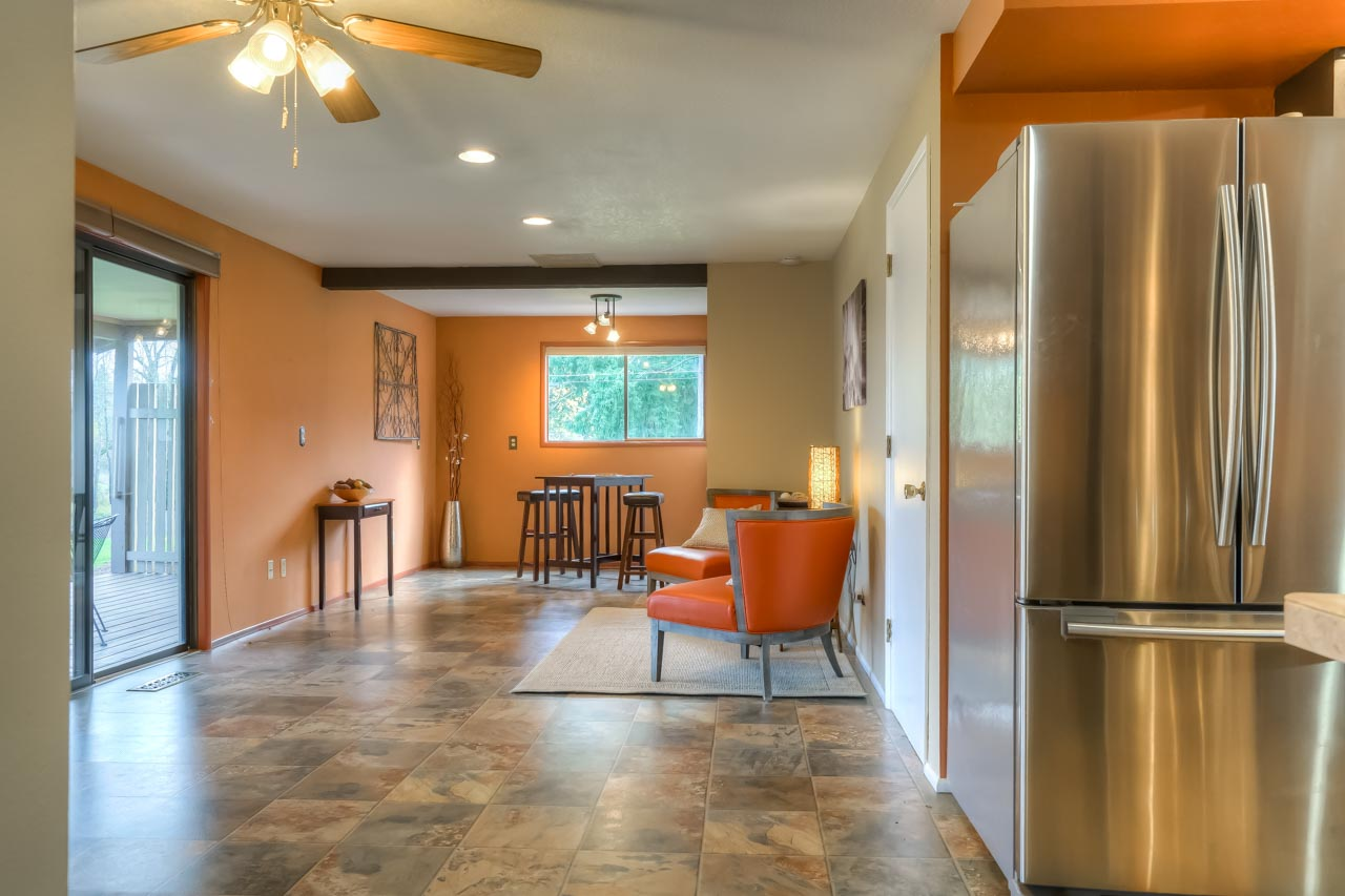 33721 SE Terra Circle Corvallis Oregon-- Kitchen to Bonus Space