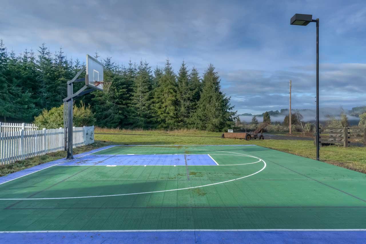 37963 Kings Valley Highway, Kings Valley Oregon-- Sport Court