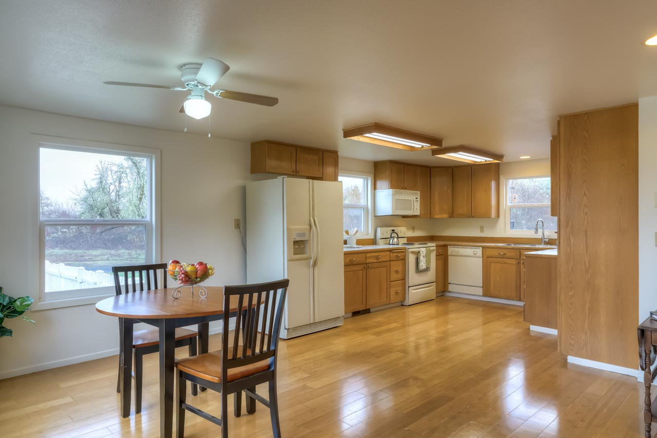 37963 Kings Valley Highway, Kings Valley Oregon-- Dining to Kitchen