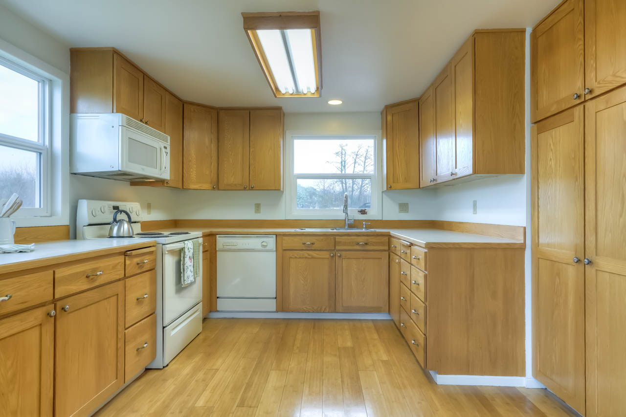 37963 Kings Valley Highway, Kings Valley Oregon-- Kitchen