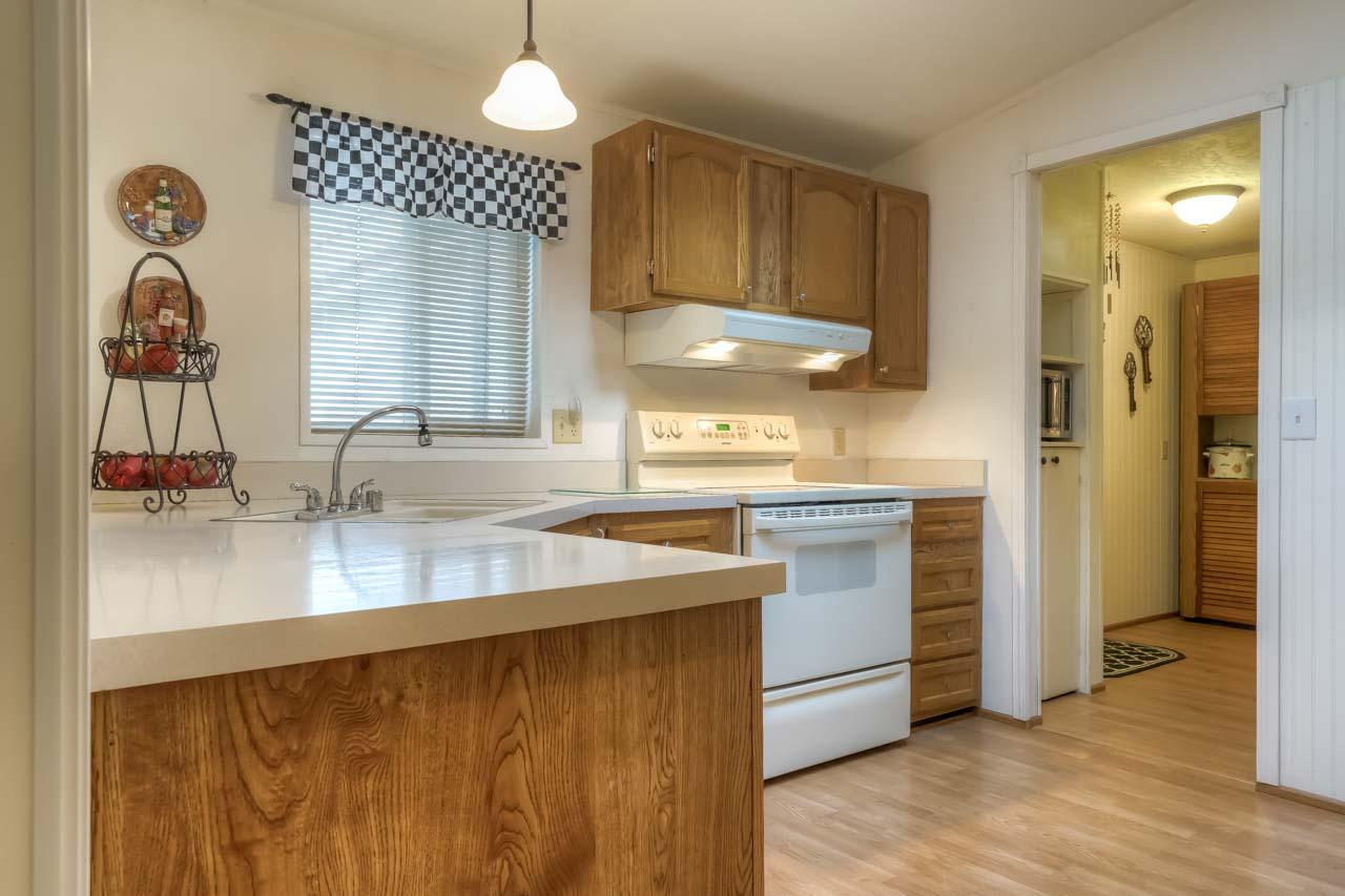 1921 Spicer Wayside SE Albany Oregon-- Kitchen