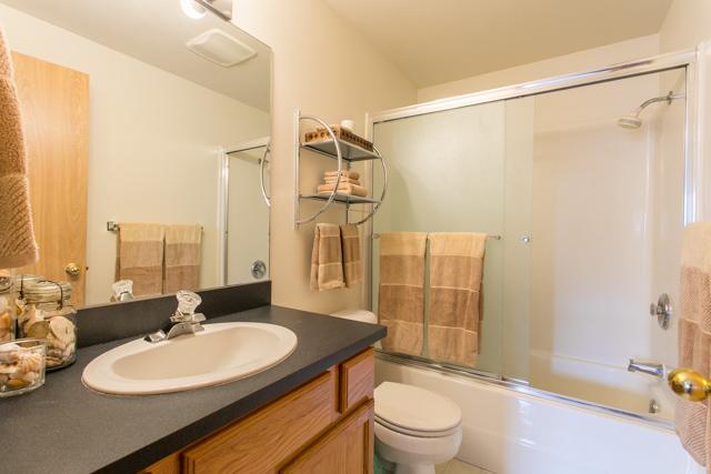 660 SE Park Avenue Corvallis-- Master Bath