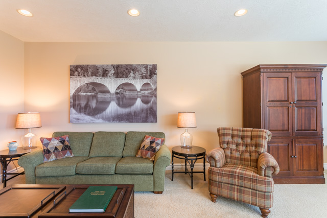 3487 NW Buttercup-25