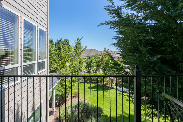 3487 NW Buttercup-72